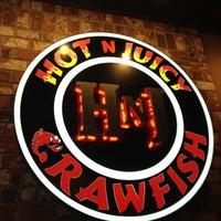 Photo taken at Hot N Juicy Crawfish by Kimberly L. on 8/25/2012