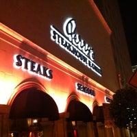 Foto scattata a Perry's Steakhouse da Wenzhao il 9/8/2011
