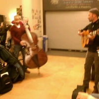 Das Foto wurde bei Old Town School of Folk Music von Gordon M. am 11/21/2011 aufgenommen