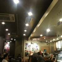 Photo taken at Starbucks by Yong Min P. on 10/9/2011