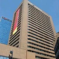 Photo taken at KEB 하나은행 by Simon Y. on 9/25/2011