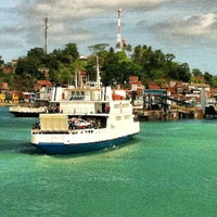 Photo taken at Ferry Boat Juracy Magalhães by Leandro B. on 5/19/2012