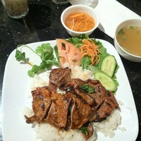 Photo taken at Pho Doan (Vietnamese Noodle & Grill) by Bianca N. on 12/25/2011