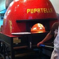 Foto scattata a Pupatella Neapolitan Pizza da Jim V. il 8/20/2011