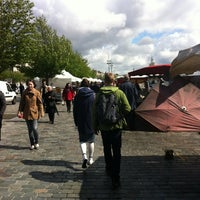 Photo taken at Marché des Chartrons by Troy M. on 4/29/2012