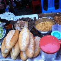 Photo taken at bánh mì pate lãn ông by Anna on 9/8/2012