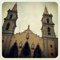 รูปภาพถ่ายที่ Centro Histórico โดย Miguel H. เมื่อ 6/28/2012