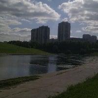 9/6/2011 tarihinde Daria V.ziyaretçi tarafından Парк Олимпийской деревни'de çekilen fotoğraf