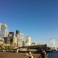 Das Foto wurde bei Piers 62/63 von Armando V. am 8/12/2012 aufgenommen
