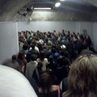 Foto tomada en Metro Vicente Valdés por MattyArts® el 4/17/2012