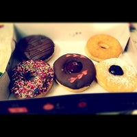 Photo taken at Mad Over Donuts by Lionel F. on 12/5/2011