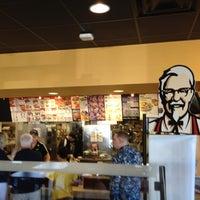 Photo taken at Taco Bell by Coronado I. on 7/8/2012