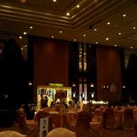 Photo taken at Shangri-La Hotel by Rermphant P. on 10/9/2011