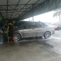 Photo taken at Eastwood Hillsborough Car Spa by Tonee O. on 7/17/2012