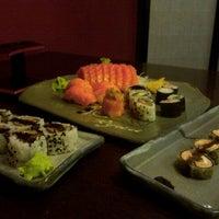 Foto tirada no(a) Ryuu Sushi Bar por Emilio T. em 9/22/2011