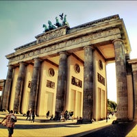 Photo taken at Brandenburg Gate by Gerardo C. on 8/26/2012