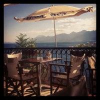 7/3/2012 tarihinde Merthan K.ziyaretçi tarafından Castle Cafe & Bistro'de çekilen fotoğraf