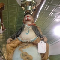 Photo taken at Avenue Antiques by Arminda K. on 8/11/2012