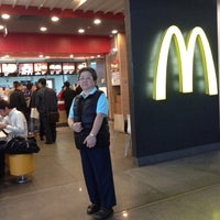 Photo taken at McDonald's by Tanaporn S. on 4/13/2012