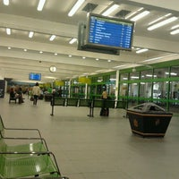 Foto tirada no(a) Broadmarsh Bus Station por Alexis V. em 10/23/2011