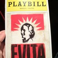 Foto tirada no(a) Marquis Theatre por Joe P. em 4/1/2012