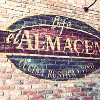 Foto tomada en El Almacen del Bife por Fran D. el 10/19/2011