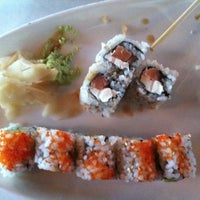 Photo taken at Blue Moon Asian Grill & Sushi Bar by Quinn J. on 7/21/2011