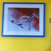 รูปภาพถ่ายที่ Cabinet Reeducation Genou โดย Rabah Robert K. เมื่อ 11/18/2011