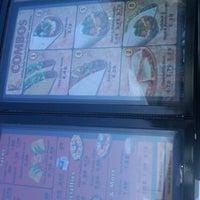 2/27/2011 tarihinde Sshank n.ziyaretçi tarafından Taco John's'de çekilen fotoğraf