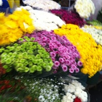 Photo taken at Mercado Jamaica by Miss Roxy M. on 7/7/2012