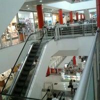 Foto tirada no(a) Shopping Metrô Boulevard Tatuapé por Edilson M. em 3/26/2012