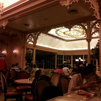Photo taken at Plaza Inn by Roger O. on 8/16/2012