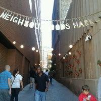 4/7/2012 tarihinde Lauren C.ziyaretçi tarafından Neighbourgoods Market'de çekilen fotoğraf