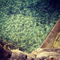 Foto tomada en Coogee Beach por Julia T. el 8/21/2012