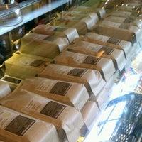Foto tirada no(a) Bridgeport Coffee Company por Big John K. em 8/22/2012