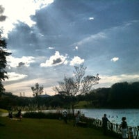 Photo taken at Parque Cidade de Toronto by Cintia C. on 7/22/2012