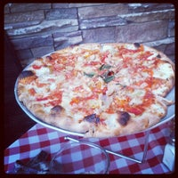 Foto scattata a Grimaldi's Pizzeria da Marc-Johann S. il 6/5/2012