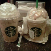 Photo taken at Starbucks by Monce on 4/11/2012