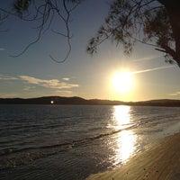 Foto tirada no(a) Praia de Manguinhos por Fernanda Afizia P. em 3/10/2012