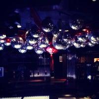 Foto tomada en Lotus Club por Marly S. el 7/25/2012