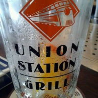 Photo prise au Union Station Grill par Jen S. le5/3/2012