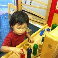 Das Foto wurde bei NIKI-TIKI von ryusuke f. am 6/10/2012 aufgenommen