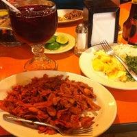 Photo taken at Tacos Los Tarascos by Julio César V. on 8/16/2012