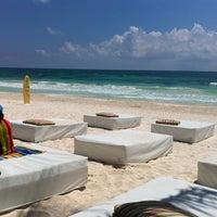 Foto tomada en Ziggys Beach Club por Santiago M. el 9/9/2012