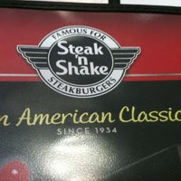 Photo taken at Steak 'n Shake by Juan O. on 5/31/2012