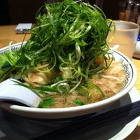 Photo taken at 丸源ラーメン御殿場店 by kaoling on 6/11/2012