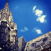 Снимок сделан в Stephansplatz пользователем Ferran T. 8/14/2012