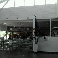 Foto tirada no(a) Supercenter Angeloni por Hórus L. em 4/15/2012