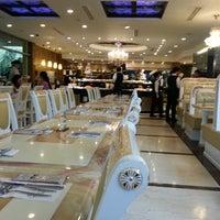 Photo taken at Vienna International Seafood & Teppanyaki Buffet Restaurant by Siew P. on 7/14/2012