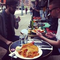 Das Foto wurde bei Café Select von Nalden am 4/30/2012 aufgenommen